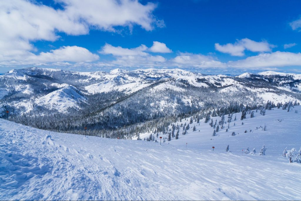 Snow covered slopes of the Sierra Nevada mountains in Lake Tahoe